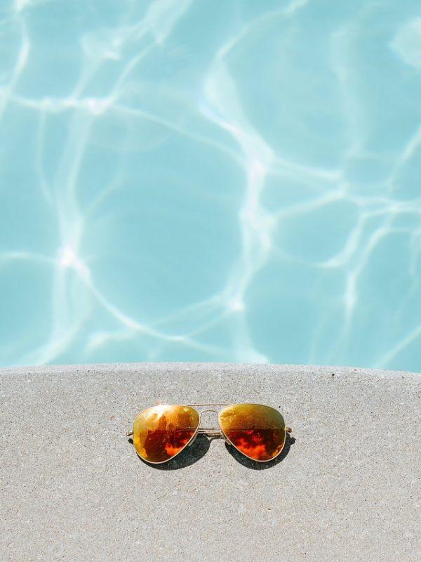 aviator-sunglasses-1850648_1280
